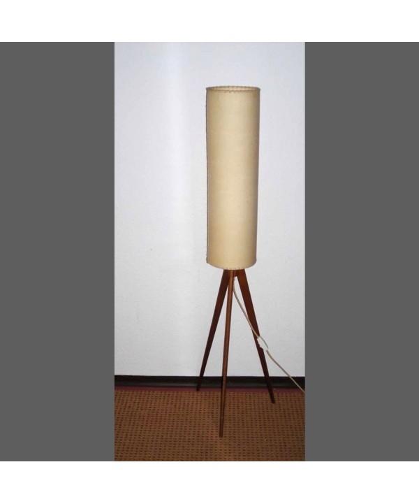 Lámpara vintage de pie con tre patas. 1958.