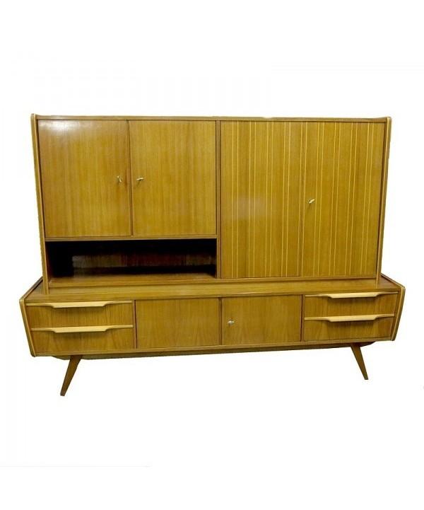 Aparador con mueble - bar de los años 50 de estilo escandinavo.