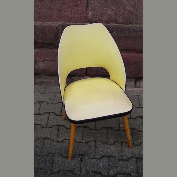 Vintage. Silla en amarillo...