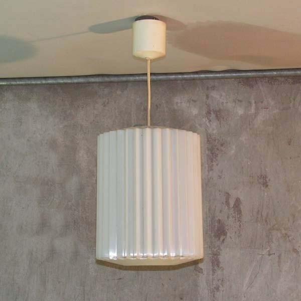 Plastik Deckenlampe. Erco...
