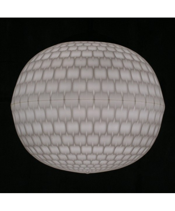 Erco. Lámpara globo de PVC con decoración en relieve. 1960 - 1965.