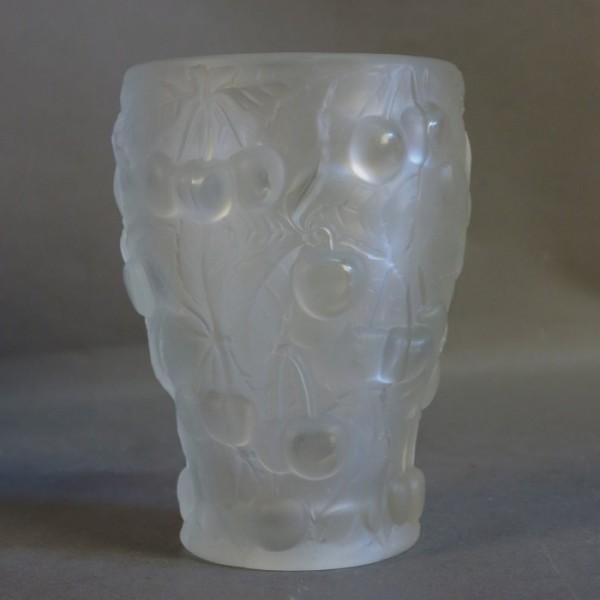 Art Nouveau glass vase with...