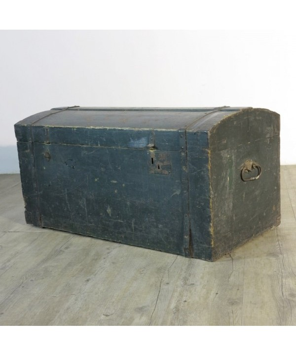 Antique wood trunk 1880 - 1900.