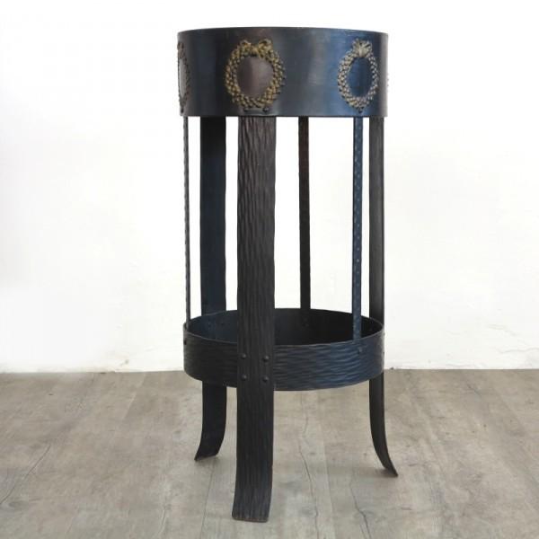 Art Nouveau pedestal forget...