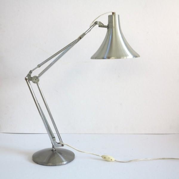 Lámpara de despacho....