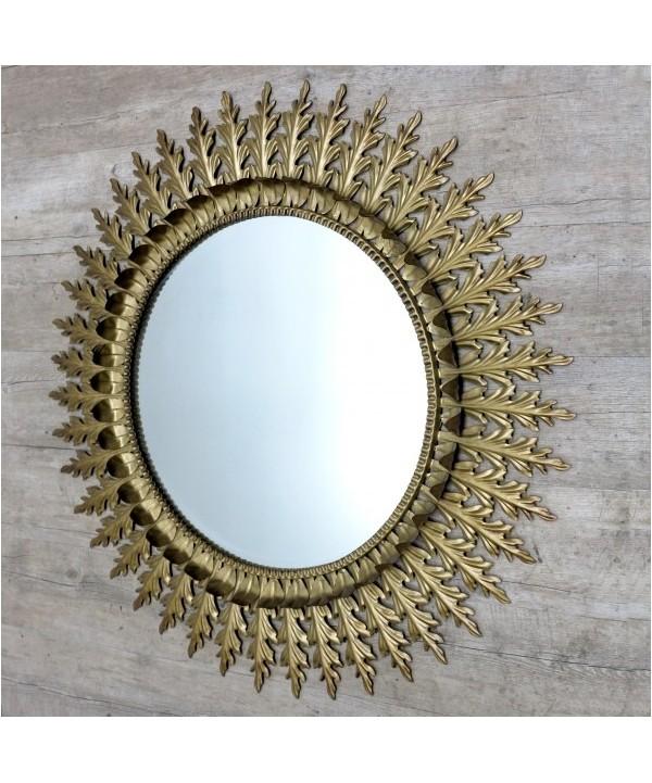 Großer Französischer Spiegel mit Messingrahmen in Sonnen Optik. 1950 - 1955