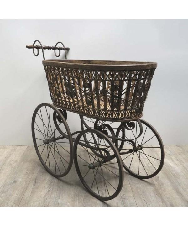 Sehr selten. Kinderwagen für Kleinkinder. 1900 - 1910