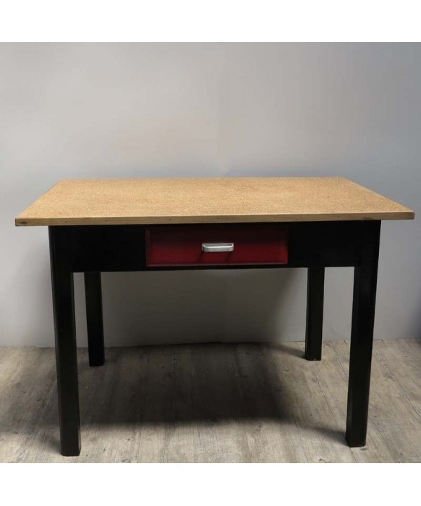 Antiker Vintage Holztisch mit Schublade. 1930 - 1940