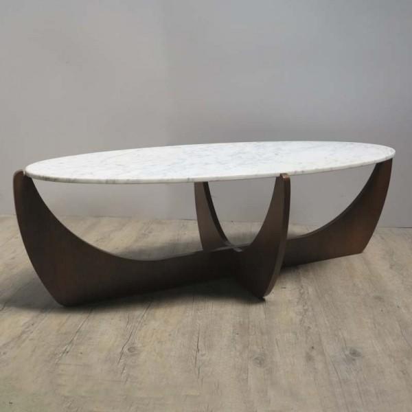 Design Tisch mit ovaler...