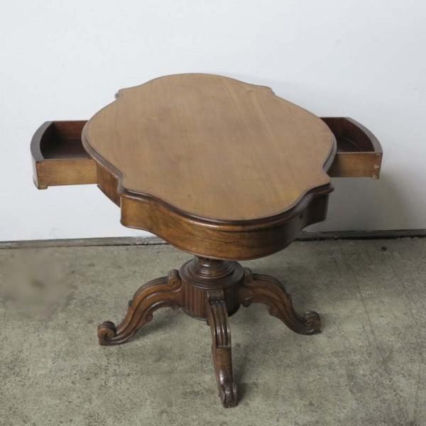 Ovaler Gründerzeit Tisch...