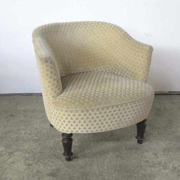 Antiker Sessel mit Fleur de...