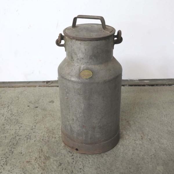 Industrie Metall Milchkanne...